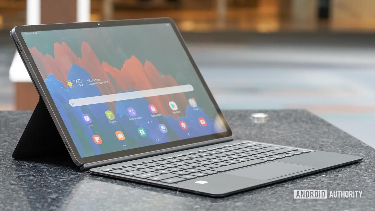 Samsung Galaxy Tab S7 Plus left profile