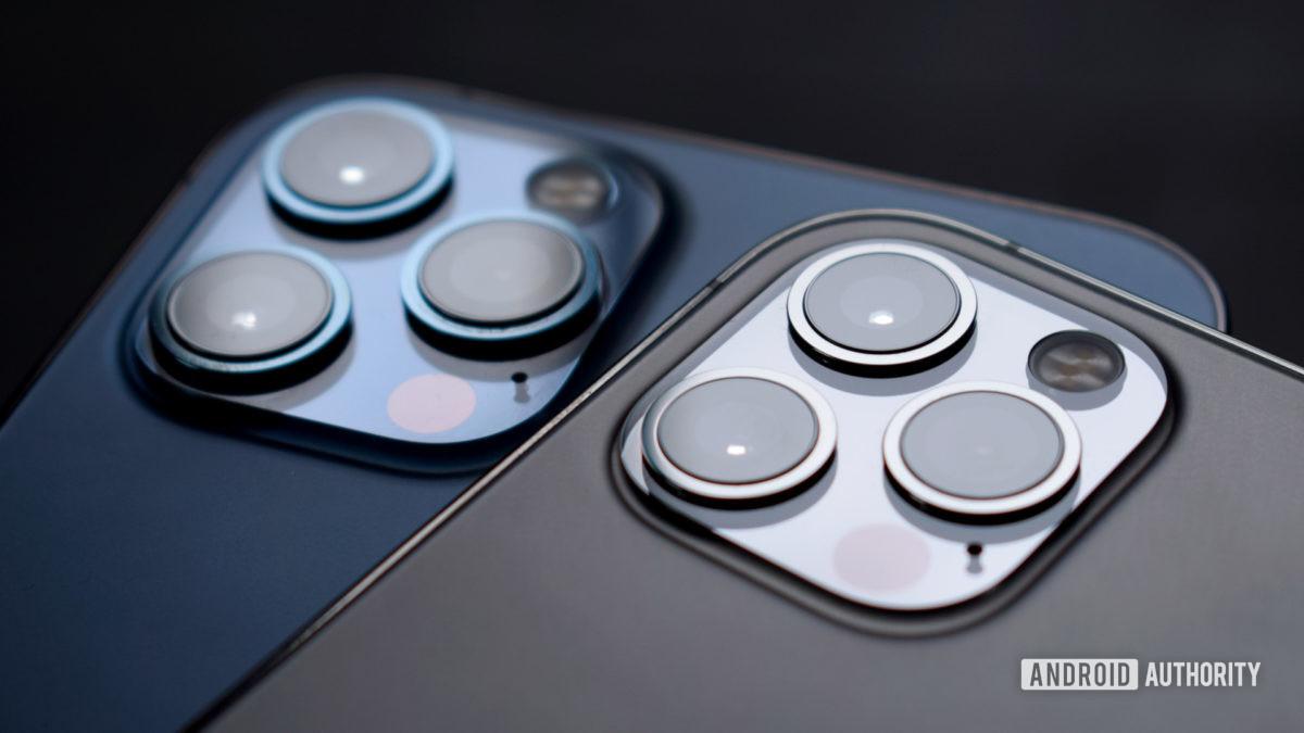 Apple iPhone 12 Pro versus iPhone 12 Max camera 3