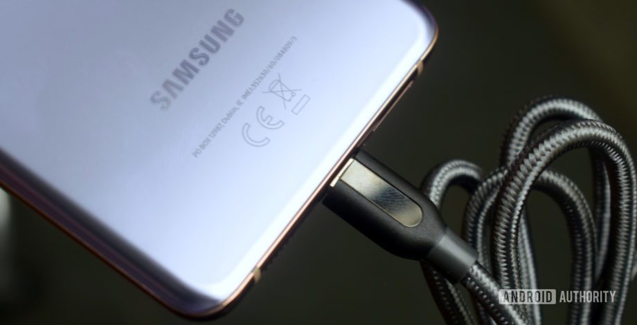 This is the best Samsung Galaxy S21 charger you can buy