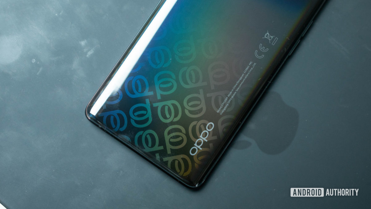 Oppo Reno 4 Pro 5G color effect on the rear case