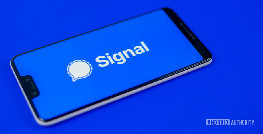 Signal uses Facebook's ads against it, gets banned instead