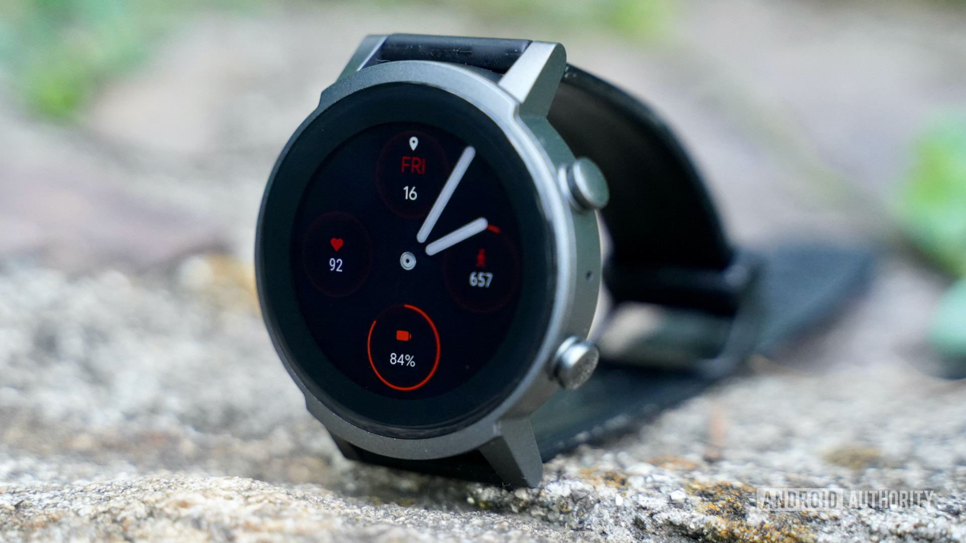 Mobvoi TicWatch E3 profile with face turned on